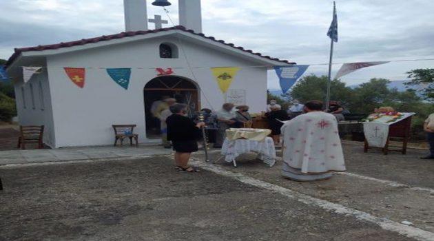 Δάφνη Ναυπακτίας: Εορτασμός στο εκκλησάκι Γεννήσεως της Θεοτόκου (Photos)