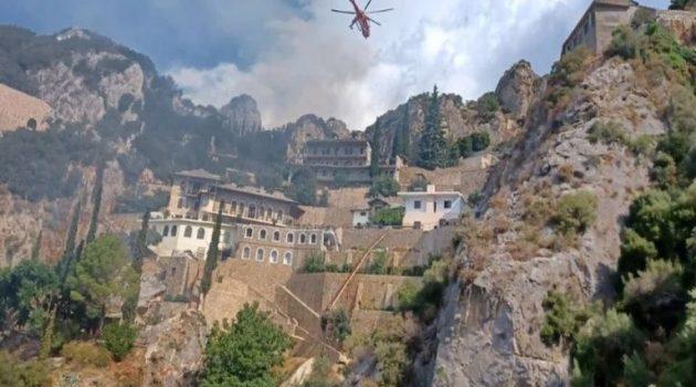 Φωτιά στο Άγιο Όρος: «Κινδύνεψαν αρκετά κέλια», λέει μοναχός