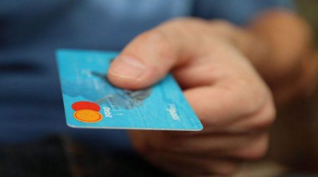 Ανήλικοι «άρπαξαν» 26.000 ευρώ με κλεμμένες πιστωτικές κάρτες