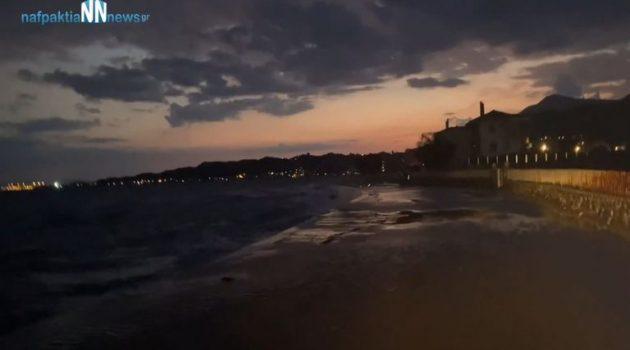 Ναύπακτος: Δύσκολο το πέρασμα στον παραλιακό δρόμο της Παλαιοπαναγιάς (Video)