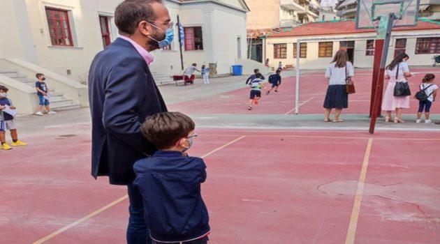 Με «διπλό ρόλο» ο Νεκτάριος Φαρμάκης στο 4ο Δημοτικό Σχολείο Αγρινίου