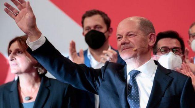 Γερμανία: Οι πρώτες εκτιμήσεις του αποτελέσματος – Οριακό προβάδισμα για τον Σολτς
