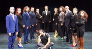Το «Ξεκατίνιασμα του Ολύμπου», μια σουρεαλιστική σάτιρα, στο Θέατρο Olvio