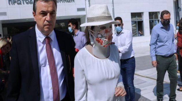 Επίθεση με βιτριόλι: Tι θα εξιστορήσει η Ιωάννα από το βήμα του μάρτυρα