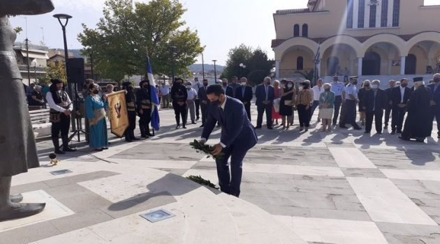 Αγρίνιο: Τελέστηκε το μνημόσυνο για τα θύματα της Μικρασιατικής καταστροφής (Photos)