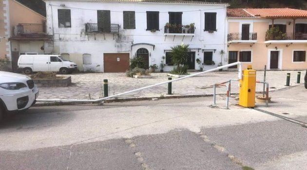 Καταστράφηκαν ξανά οι μπάρες στην παραλιακή της Βόνιτσας (Photos)
