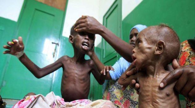 Αιθιοπία: Ο λιμός εξαπλώνεται στο Τιγκράι – Οι μητέρες ταΐζουν τα παιδιά τους φύλλα δέντρων
