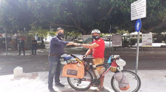 Από τα Χανιά στο Αγρίνιο με το ποδήλατο – Η συνάντηση με τον Γ. Παπαναστασίου