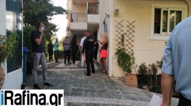 Ραφήνα: Βρήκαν 44χρονο κρεμασμένο από το μπαλκόνι του σπιτιού του (Video)