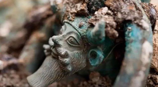 Τάφος με Ελληνικά αντικείμενα ανακαλύφθηκε στη Γαλλία με την μορφή του Αχελώου