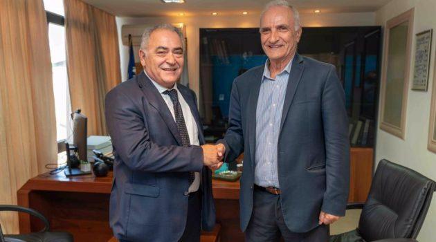 Συνάντηση Γ. Βαρεμένου με τον Πρόεδρο της Κ.Ε.Ε.Ε. Γ. Χατζηθεοδοσίου
