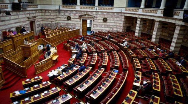 Σύγκρουση πολιτικών αρχηγών στη Βουλή για την αμυντική συμφωνία Ελλάδας – Γαλλίας