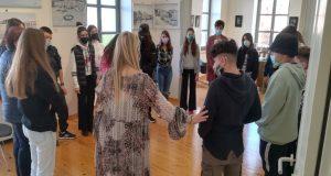 Μαθητές της Π.Ε. Αιτωλοακαρνανίας ξεναγήθηκαν στο «Κτίριο Χρυσόγελου»