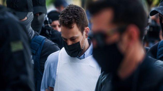 Μπάμπης Αναγνωστόπουλος: Γράφει μανιωδώς στο κελί