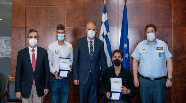 Τιμήθηκαν από τον Τάκη Θεοδωρικάκο ο Αν. Τσαπατάκης και ο Φώτης Ζησιμόπουλος (Photos)